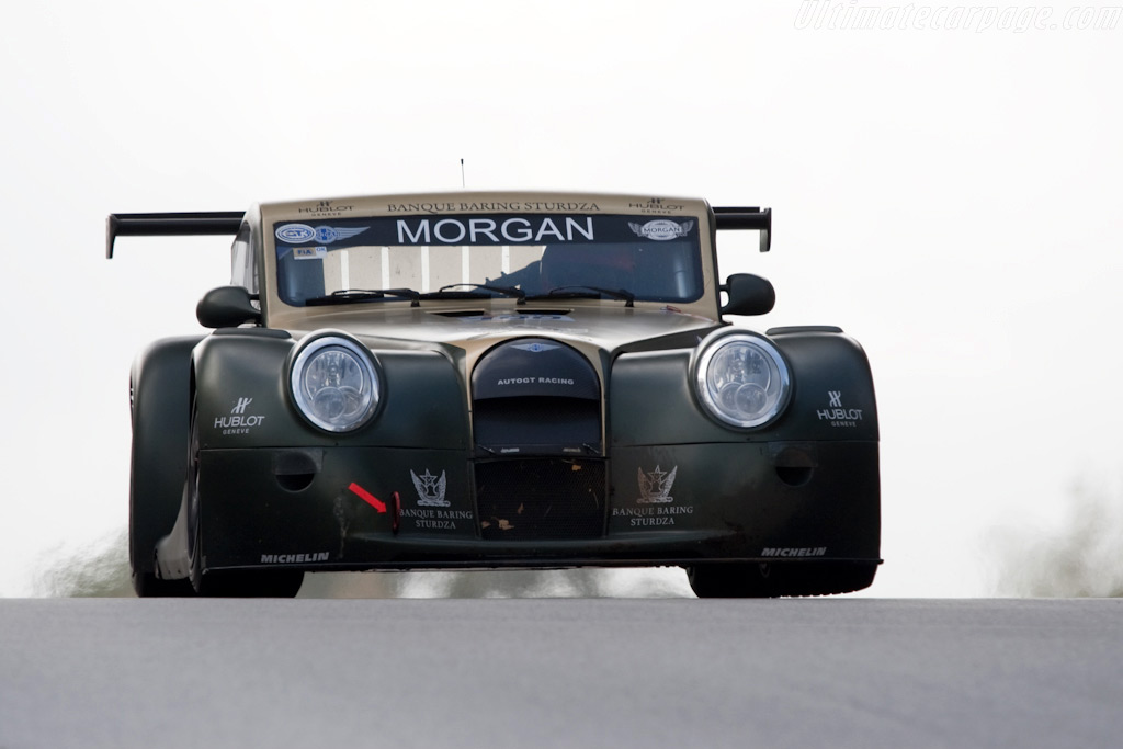 one iconic car that maintains traditional looks with ultramodern capabilities the 2010 morgan aero supersports
