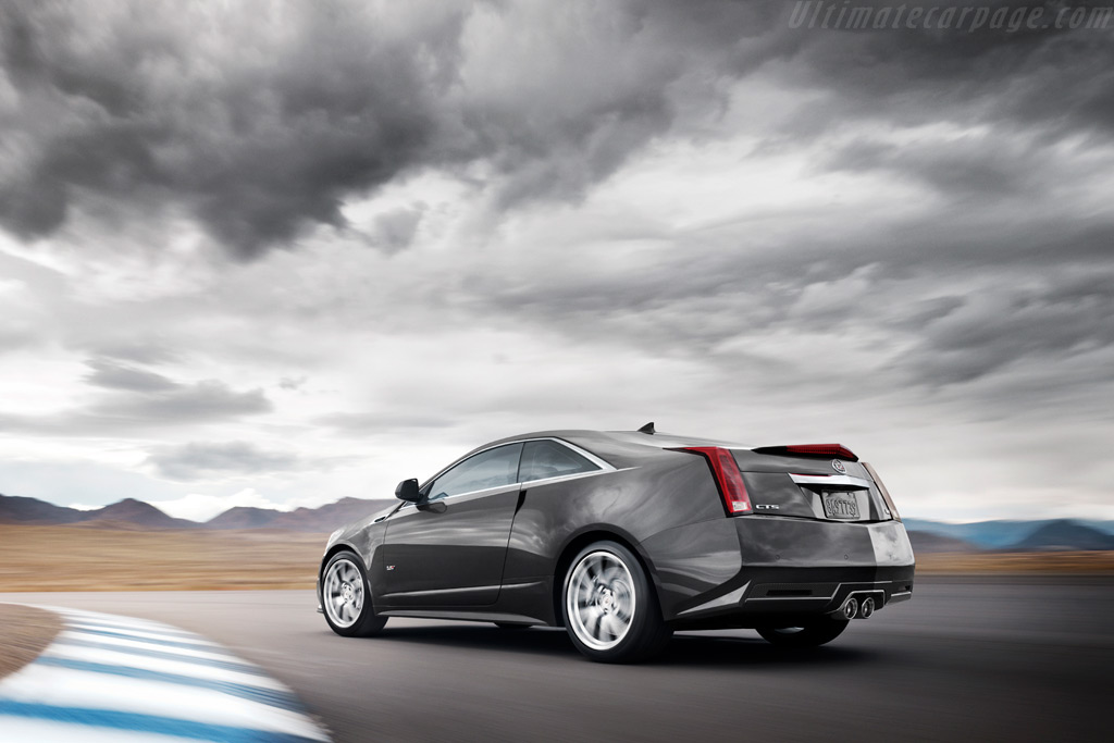 Cadillac CTS-V Coupe High Resolution Image (4 of 6)