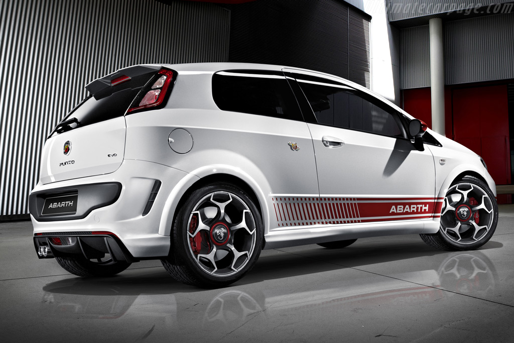fiat abarth related images start 0 weili automotive network. Black Bedroom Furniture Sets. Home Design Ideas