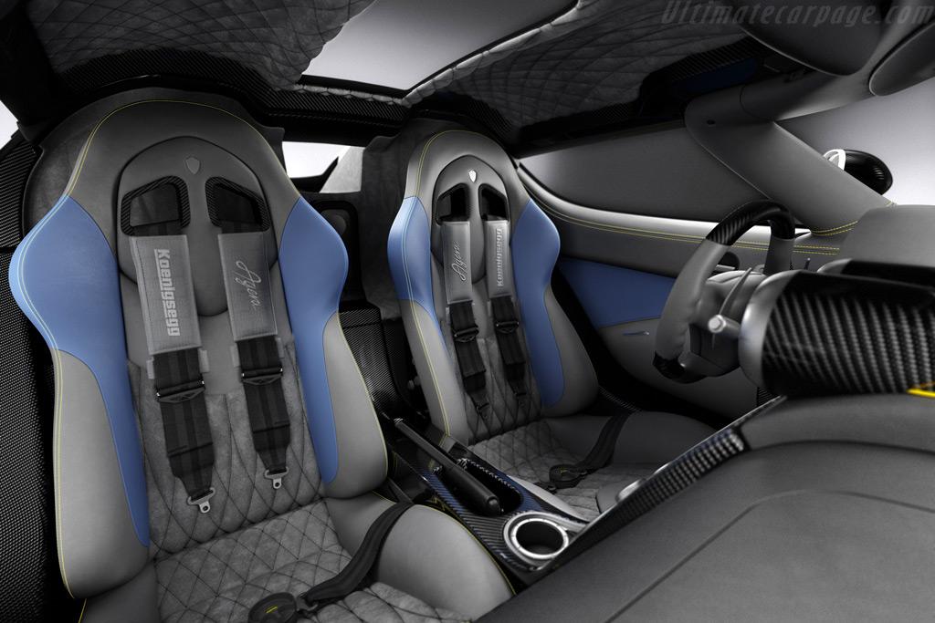 http://www.ultimatecarpage.com/images/large/4456/Koenigsegg-Agera_12.jpg
