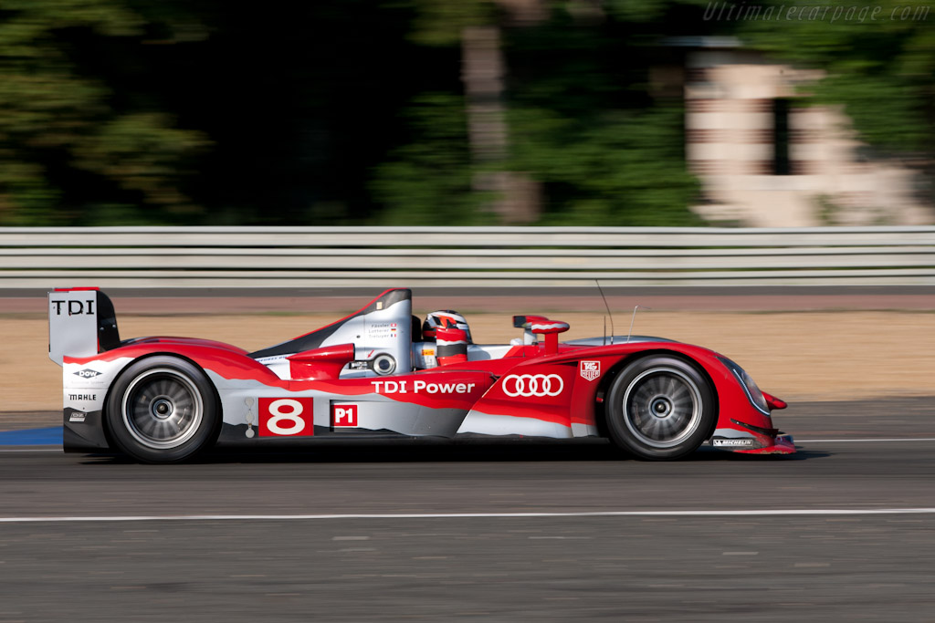 http://www.ultimatecarpage.com/images/large/4480/Audi-R15-plus-TDI_20.jpg
