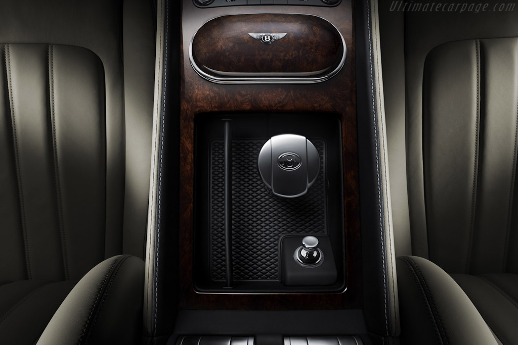 Bentley Continental Gt High Resolution Image 9 Of 12