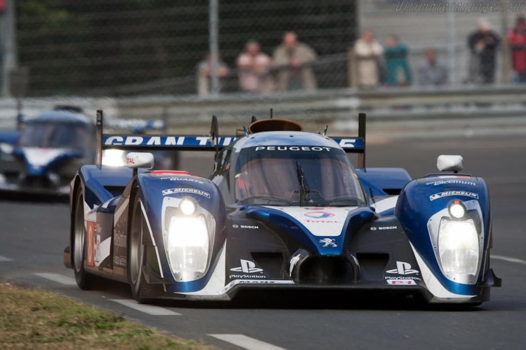 http://www.ultimatecarpage.com/images/large/4621/Peugeot-908_5.jpg