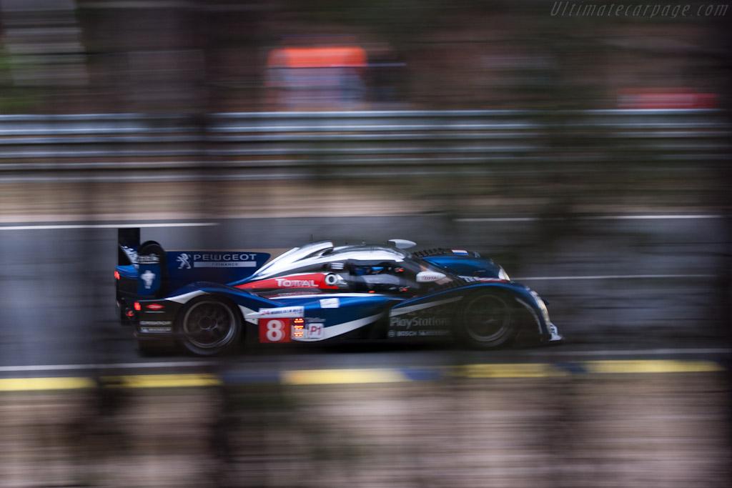 http://www.ultimatecarpage.com/images/large/4621/Peugeot-908_6.jpg