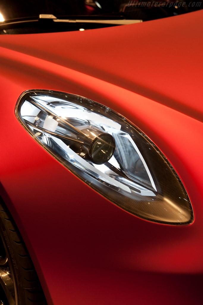 Alfa Romeo 4C Concept ( - 2011 Geneva International Motor Show) High Resolution Image (9 of 18)