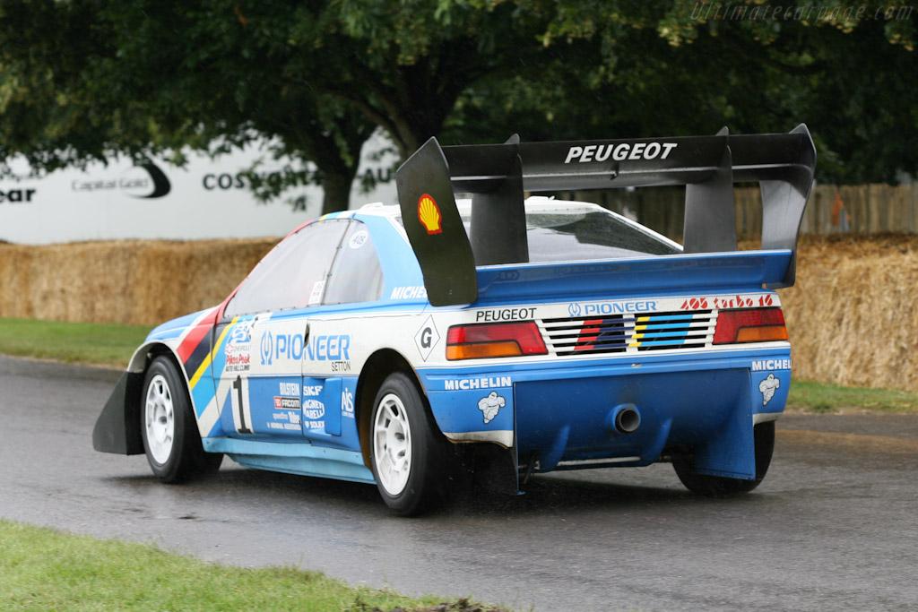 http://www.ultimatecarpage.com/images/large/4959/Peugeot-405-T16-Pikes-Peak_9.jpg