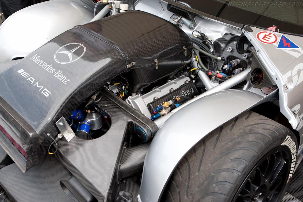 Mercedes Benz W202 - C Class DTM Mercedes-Benz-C-Class-DTM_15