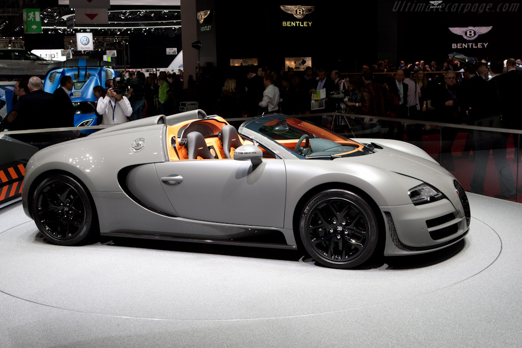 bugatti veyron 16 4 grand sport vitesse 2012 geneva international motor show high. Black Bedroom Furniture Sets. Home Design Ideas