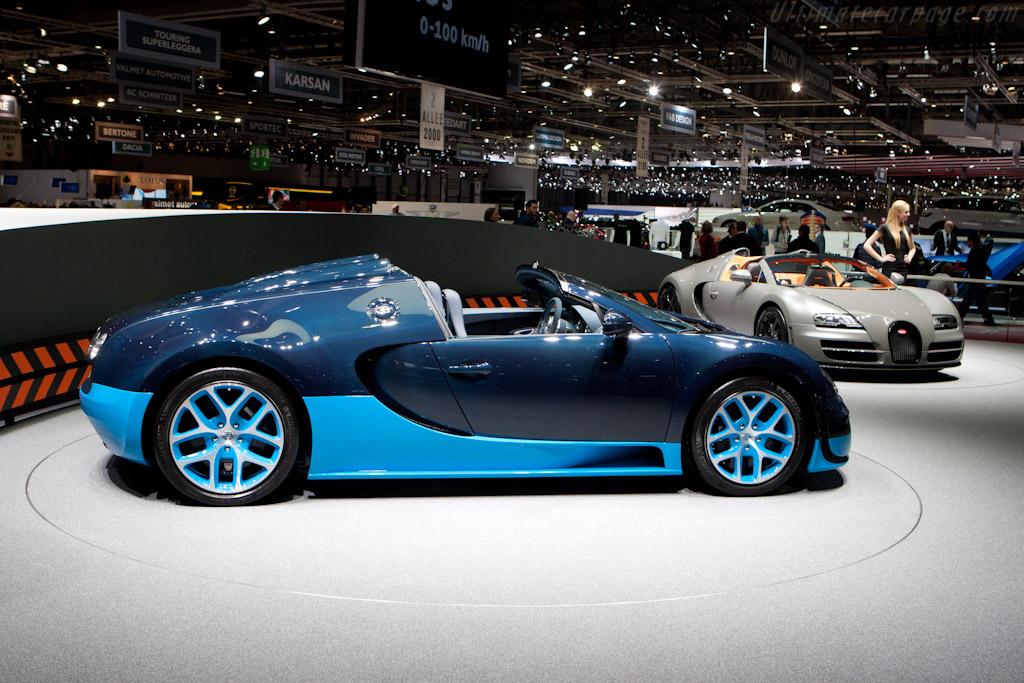 bugatti veyron 16 4 grand sport vitesse 2012 geneva international motor show high. Black Bedroom Furniture Sets. Home Design Ideas