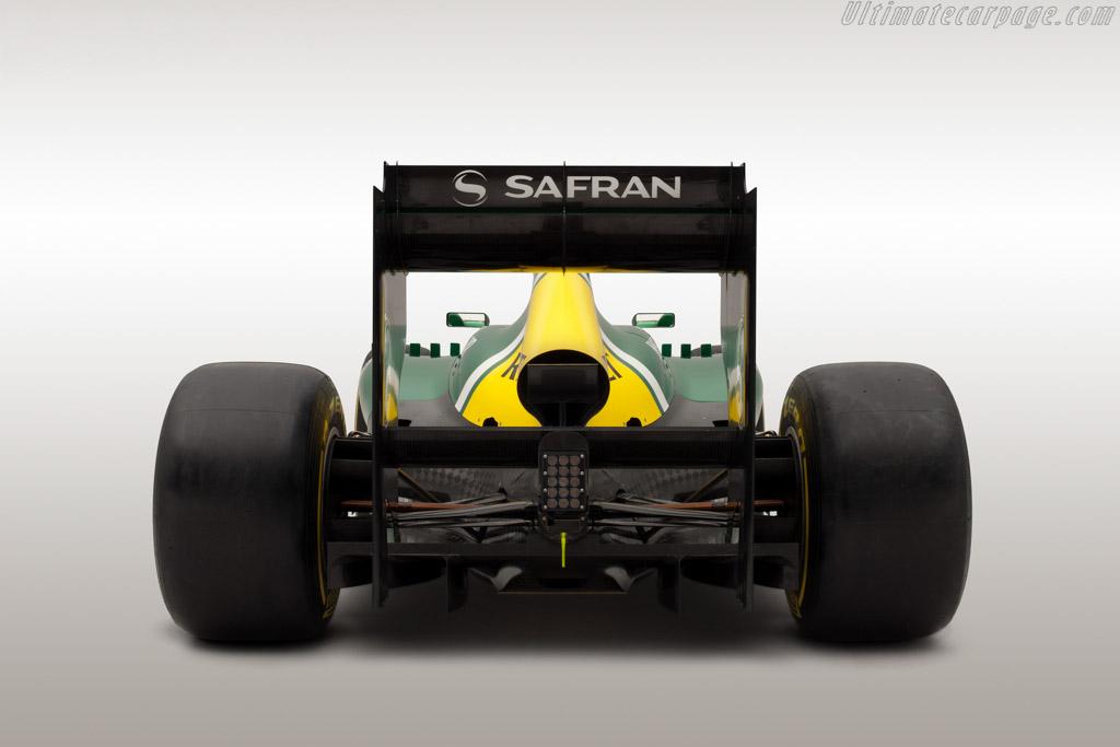 http://www.ultimatecarpage.com/images/large/5436/Caterham-CT03-Renault_6.jpg