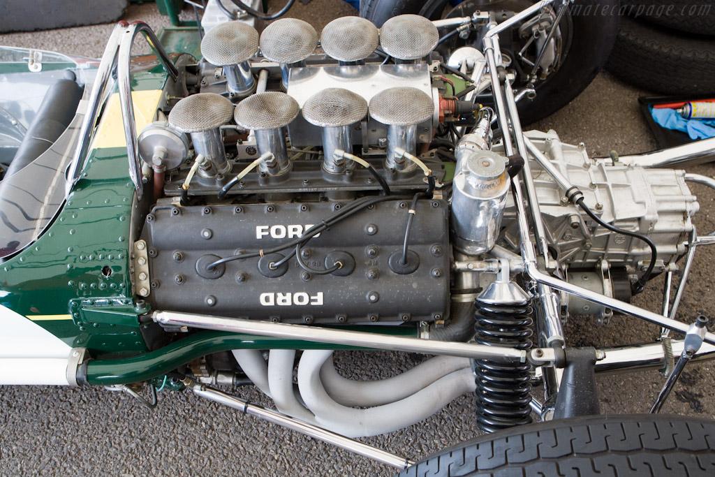 Lotus-49-Cosworth_23.jpg