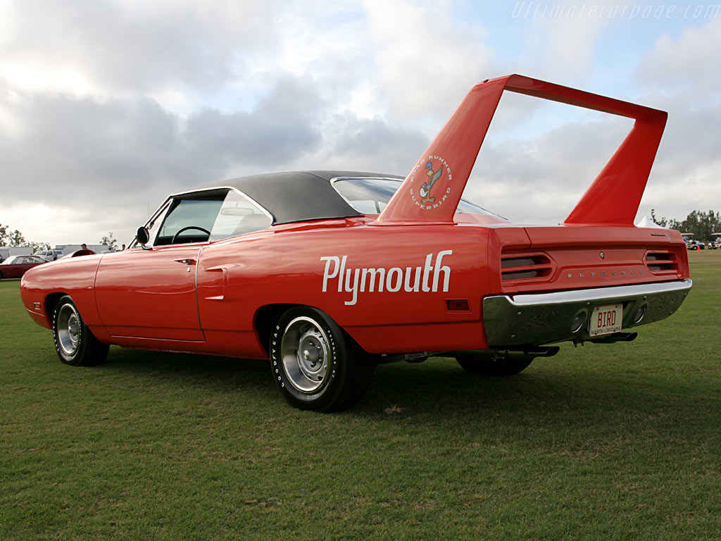 Plymouth Road Runner Superbird High Resolution Image (3 of 12)