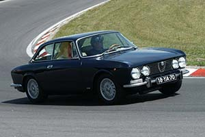 Click here to open the Alfa Romeo Giulia 2000 GT Veloce gallery