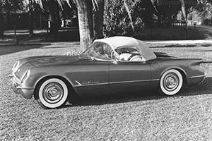 Click here to open the Chevrolet Corvette C1 Roadster V8 gallery