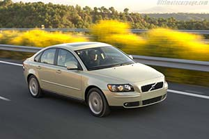 2004 volvo s40 t5 - images, specifications and information