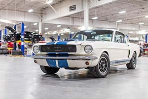 Click here to open the Ford Shelby Mustang GT350 H gallery
