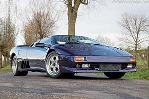 Click here to open the Lamborghini Diablo VT Roadster gallery
