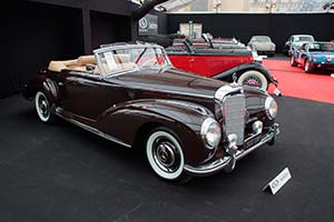 Click here to open the Mercedes-Benz 300 S Roadster gallery