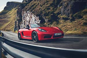 Click here to open the Porsche 718 Boxster T gallery