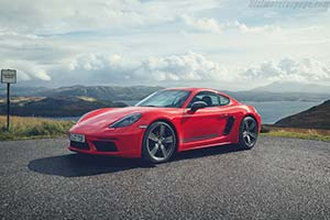 Click here to open the Porsche 718 Cayman T gallery