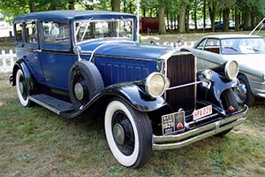 Click here to open the Pierce-Arrow Model 133 6-Light Saloon gallery