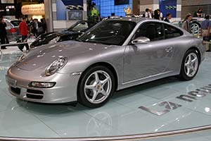 Click here to open the Porsche 997 Carrera gallery