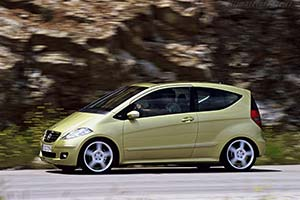 Click here to open the Mercedes-Benz A 200 Avantgarde gallery
