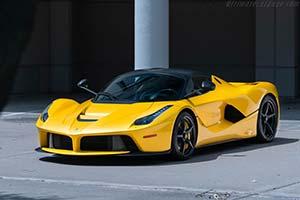 Click here to open the Ferrari LaFerrari  gallery