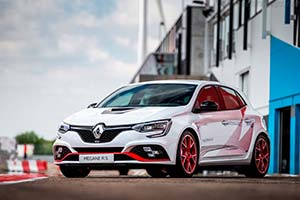 Click here to open the Renault Mégane R.S. Trophy-R gallery