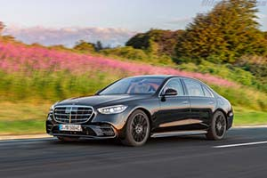 Click here to open the Mercedes-Benz S 500 4MATIC gallery