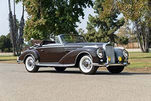 Click here to open the Mercedes-Benz 300 Sc Cabriolet gallery