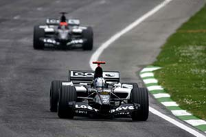Click here to open the Minardi PS05 Cosworth gallery