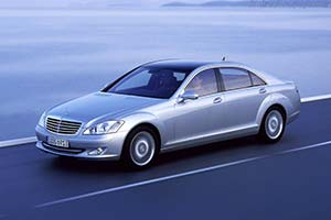 Click here to open the Mercedes-Benz S 500 gallery