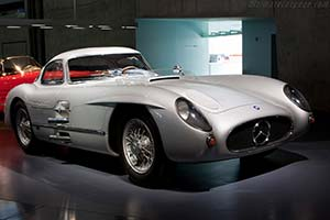 Click here to open the Mercedes-Benz 300 SLR Uhlenhaut Coupe gallery