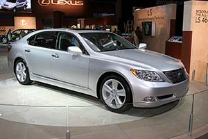 Click here to open the Lexus LS 460L gallery