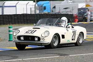 Click here to open the Ferrari 250 GT SWB California Competizione Spyder gallery