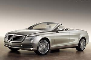 Click here to open the Mercedes-Benz Concept Ocean Drive gallery