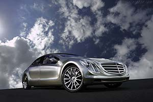 Click here to open the Mercedes-Benz F700 Concept gallery