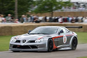 Click here to open the Mercedes-Benz SLR McLaren '722' GT gallery