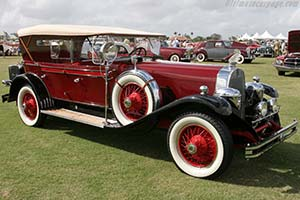 Click here to open the duPont Model G Dual Cowl Phaeton gallery