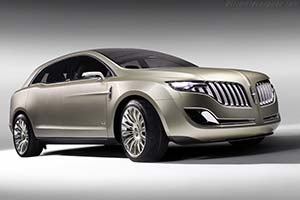 Click here to open the Lincoln MKT Concept gallery