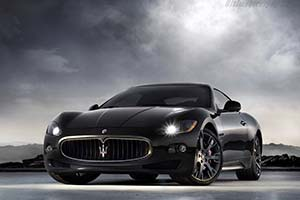 Click here to open the Maserati GranTurismo S gallery