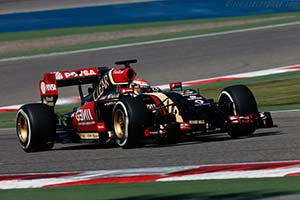Click here to open the Lotus E22 Renault gallery