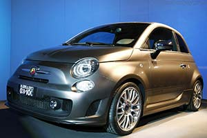 Click here to open the Fiat Abarth 500 'Da 0 a 100' gallery