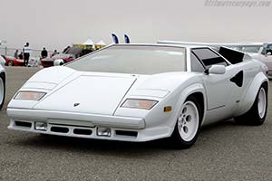 Click here to open the Lamborghini Countach LP5000 QV gallery