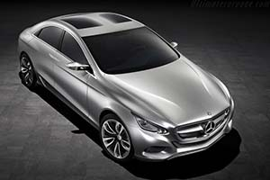 Click here to open the Mercedes-Benz F 800 Style Concept gallery