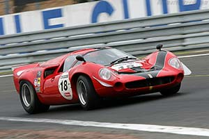 Click here to open the Lola T70 Mk3 Coupe Chevrolet gallery