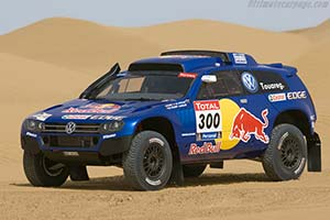 Click here to open the Volkswagen Race Touareg 3 gallery