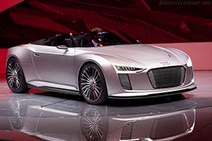 Click here to open the Audi e-tron Spyder Concept gallery