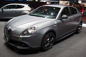Click here to open the Alfa Romeo Giulietta Quadrifoglio Verde gallery